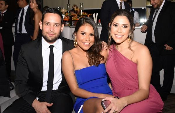Kervin García, Alondra Caraccioli y Michelle Marzan