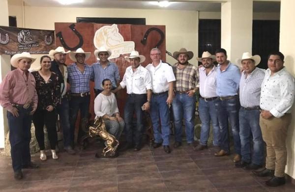 La nueva junta directiva del Club Hípico Valle de Sula