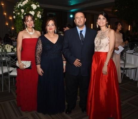 Lizeth Castro de López, Lizeth de Castro, Joe Castro Jr y Lucy de Castro