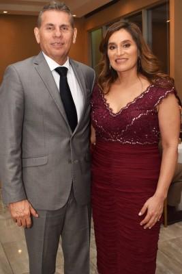 Los padres de la novia Alberto y Alicia Bográn.