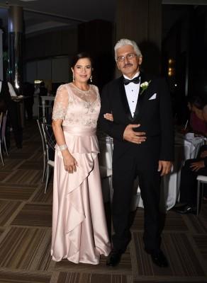Los padres de la novia, Debora de Reyes y Héctor Reyes