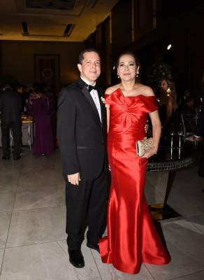 Los padres del novio, Héctor Bustillo y Flor Castillo de Bustillo
