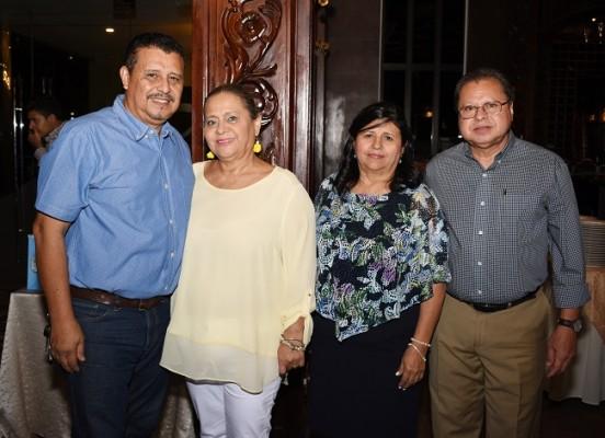 Luis Henríquez, María Elena de Henríquez, Rosa de Reyes y José Reyes