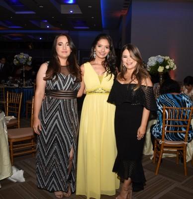 María Teresa Pineda, Michelle Aguiluz y Lin Quan
