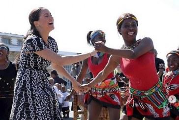 Meghan Markle demuestra que sabe mover las caderas en África
