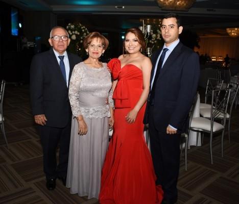 Nicolás García, Mercedes Pineda, Ana Raquel Ortez y Nicolás García