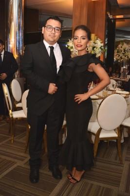 Oscar Coto y Nadia de León.