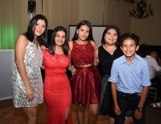 Paola Mejía, Andrea Pavón, María José Valenzuela, Gabriela Calles y Alejandro Valenzuela