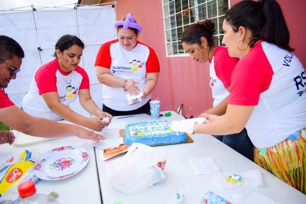Grupo Jaremar dibuja sonrisas a 50 niños- Refrigerio