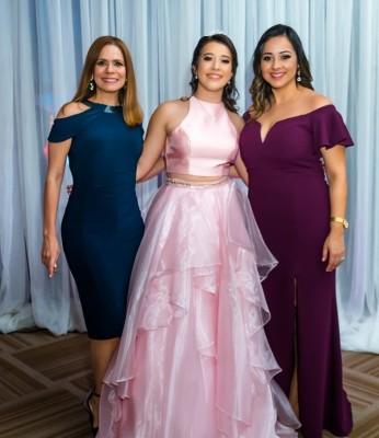 Sandra de Solis, Paola Sofia Solis Paz Y Gabriela de Mata