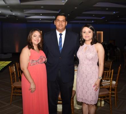 Sherrie Chávez, Stephen Casco y Melissa Barahona