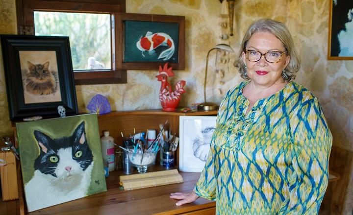 """Pintora hondureña realizará exposición benéfica """"Arte al Fresco"""" en España"""
