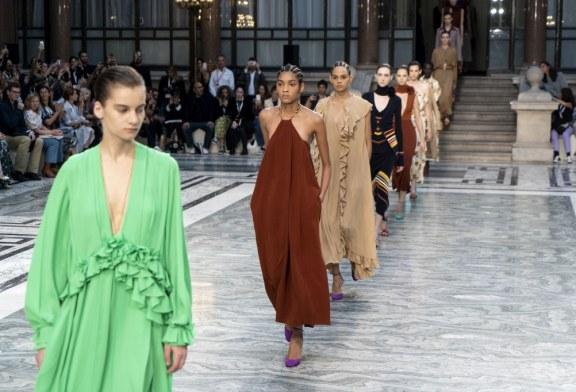 Victoria Beckham eligió un ministerio para presentar desfile de la Semana de la moda de Londres