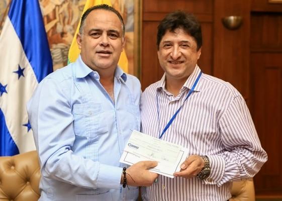 Municipalidad sampedrana firma convenio de apoyo para la Escuela de Música Victoriano López