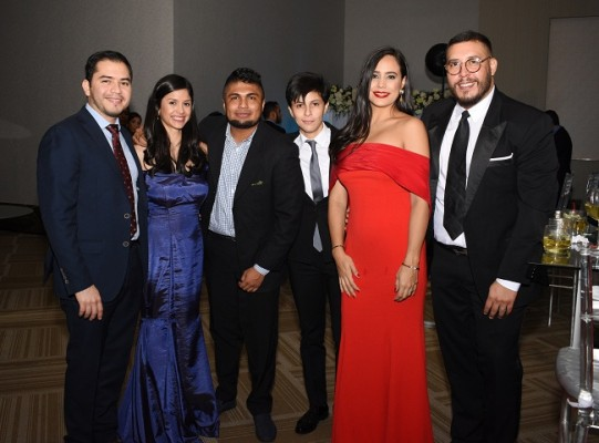 Alejandro Ramírez, Sofía Ramírez, Daniel Oyuela, Andrea Pleitez, Bryan Venegas y Jessie Venegas
