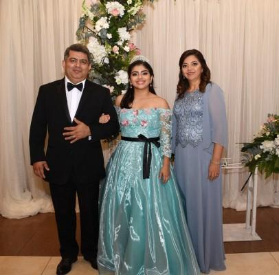 Alex Mejía junto a su hija, Heidy Rocío Mejía Hernández y su madre, Jackie de Mejía