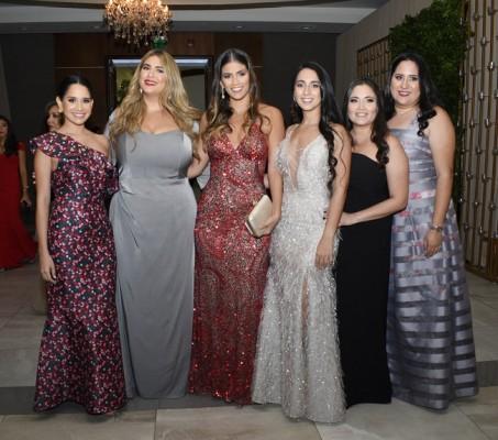 Ana Cristina Soto, Daniela Nodarse, Juliana Bermúdez, Mariana Tinoco, Daniela Suazo y Sofía Canahuati