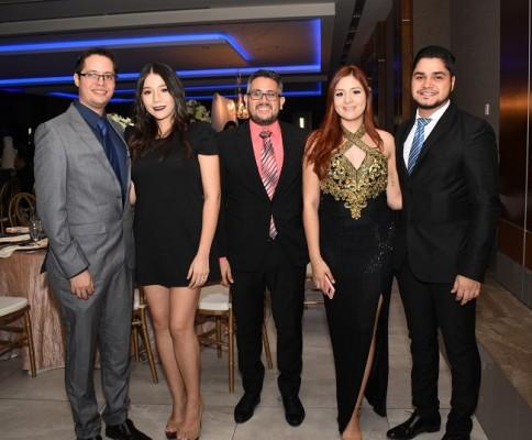 César Caraccioli, Karol de Caraccioli, José Valdez, Jenny Restrepo y Mario Mármol
