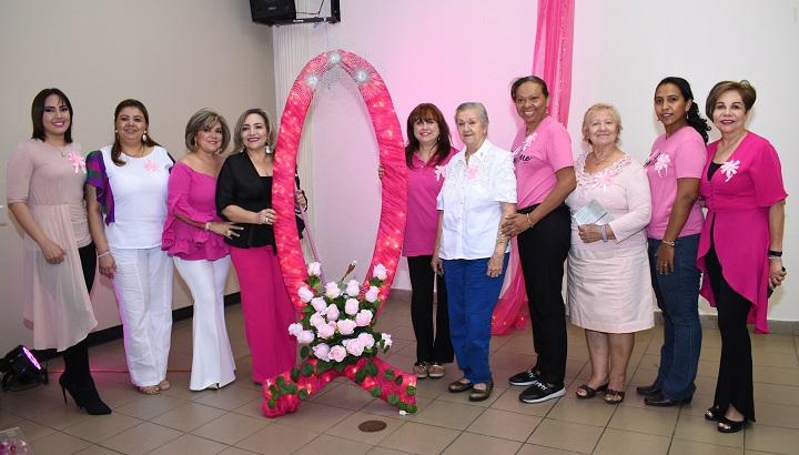Aguas de San Pedro enciende la Flama Rosa en apoyo a la prevención del cáncer de mama