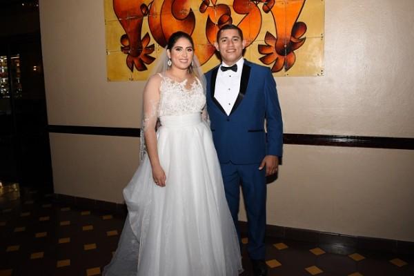 Carlo Samayoa y Tania Peña en la antesala de su maravillosa fiesta postboda