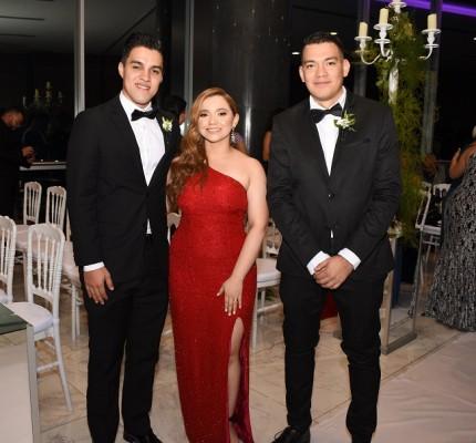 Darwin Villanueva, Greysi Paredes y Renan Raudales