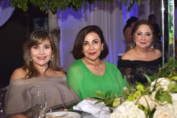 Elena Pumpo de Faraj, Carolina Handal de Canahuati e Iris Kafati.