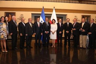 Epaminondas Marinakys recibe condecoración del Gobierno de Polonia