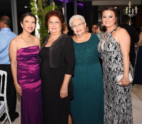 Gissel Chinchilla, Miriam Rosales, Blanca Rosa de García y Diana Morales