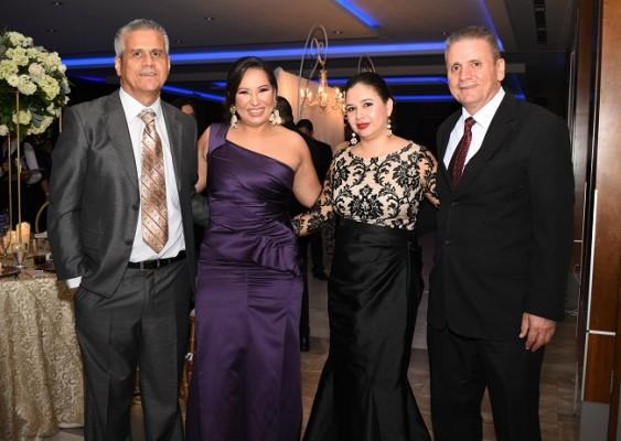 Héctor Bustamante, Yadira Bustamante, Lorena Mayen y Humberto Bustamante
