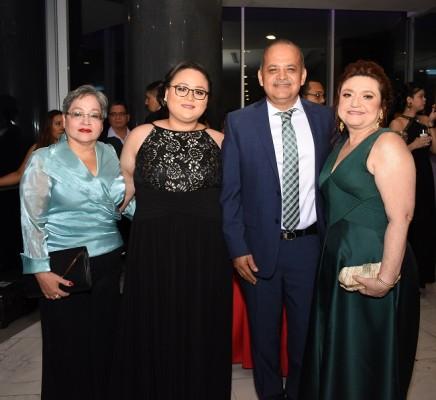 Judith López, Daniela Romero, Edie Velásquez y Ana Dunaway
