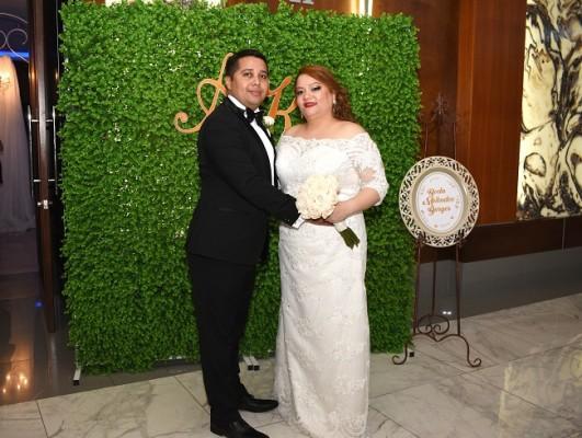 Karen Burgos y Alejandro Meléndez coronaron su amor en una ceremonia inolvidable y fiesta postboda