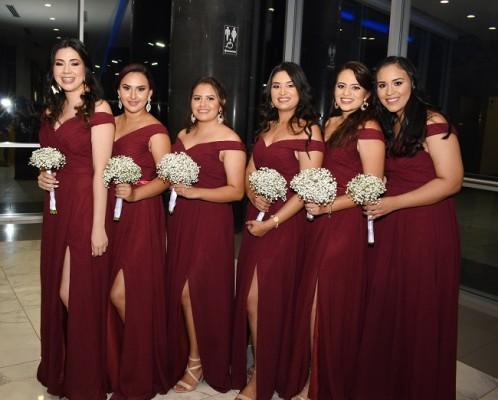 Las damas del cortejo de la novia: Polette Rivera, Daniela Chinchilla, Alba Alaníz, Ingrid Aguilar, María Fernanda Torres y Sindy Villalta