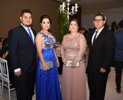 Leonel Licona Jr, Florencia Menjívar, Lorena de Licona y Leonel Licona