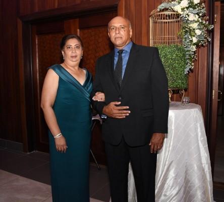 Los padres de la novia, Mario Peña y Delmy Bu