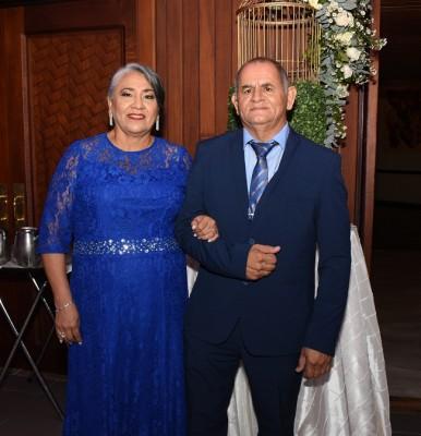 Los padres del novio, Arasely Arriaga y Carlos Samayoa