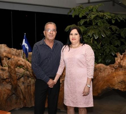Los padres del novio, Yanuario Landa Blanco y Yesenia Pineda