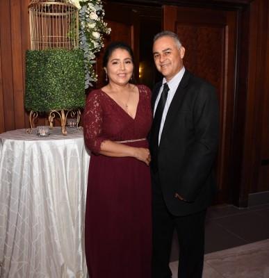 Los padrinos de boda, Arnol Bu y Libia Bu