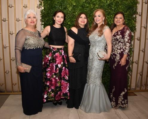 Lourdes Navarro, Marcela Reyes, Patricia Reyes, Nicte Reyes y Lizzeth Reyes