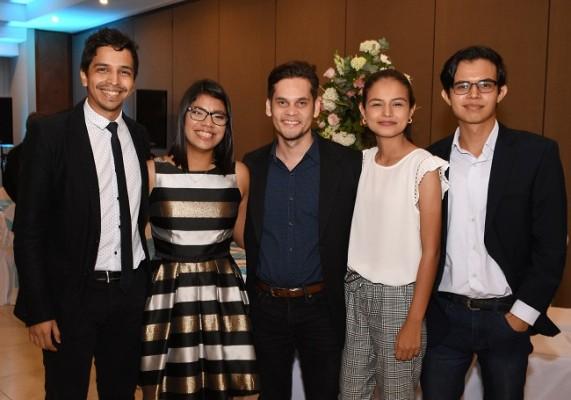 Lutfi Zablah, Astrid Bustillo, Juan Carlos Campbell, Teresa Ramos y Jonathan Ramos