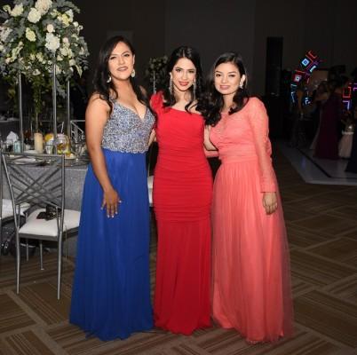 Madelyn Mendoza, Karen Chinchilla y Julia Castro