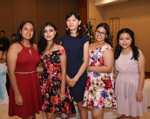 María José Romero, Katherine Diecke, Jia Yu Liou, Celeste Pinto y Karen Xiao