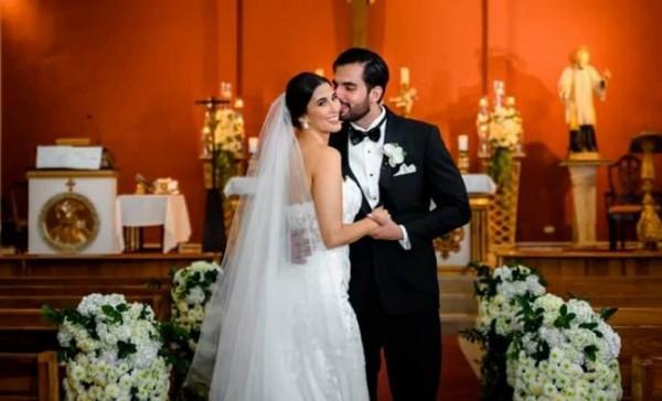 Melanie Andonie Yuja y Gamal Nazar Soliman al concretar su matrimonio eclesiástico (Fotografía: Roman Valle)