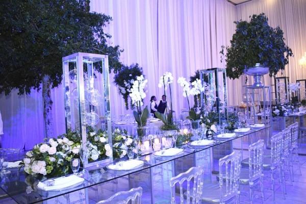Susana Prieto fue la wedding planner y Jacqueline Cabrera creó la fantástica decoración al estilo clásico silver con un toque moderno muy vanguardista