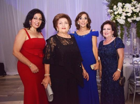 Sandra y Cecilia Kafati, Diana Faraj de Larach y Ivonne de Kafie.