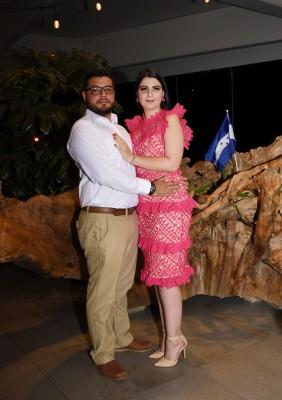 Thiara Segebre y Mario Landa Blanco se comprometieron el pasado 17 de agosto y celebraron su compromiso en una velada tan íntima como inolvidable