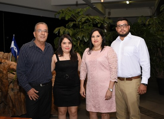 Yanuario Landa Blanco, Marian Landa Blanco, Yesenia Pineda y Mario Landa Blanco