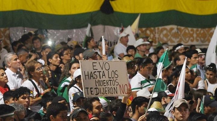 Ante sospechas de fraude y tensión en Bolivia: Evo Morales amarra reelección en primera vuelta