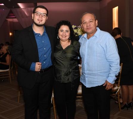 Adrián Perdomo, Marinely Paz y Jorge Aguilar