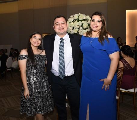 Ana Iris Navarro, Andrés Navarro y Andrea Navarro