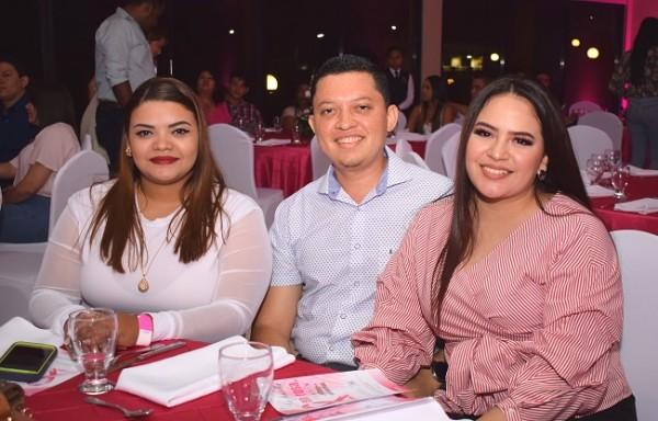 Ana Tejada, Roxel Verde y Amy Rodríguez.